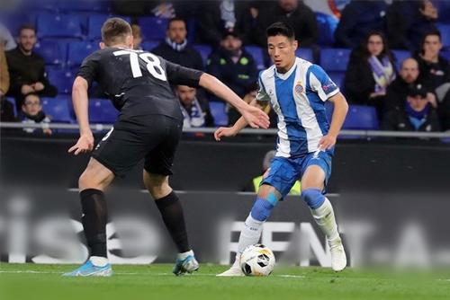 西班牙人vs阿尔梅里亚比分情况:西班牙人2-1登顶