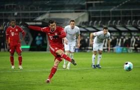 德甲门兴3-2拜仁赛后总结:后防玩火必自焚
