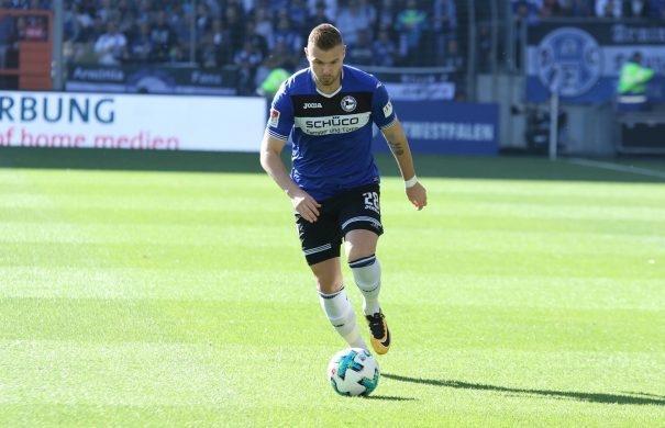 比勒费尔德VS柏林赫塔最新比分结果:比勒费尔德1-0完胜柏林赫塔