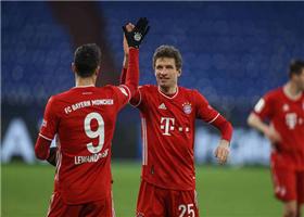 德甲拜仁vs沙尔克战报:拜仁4-0沙尔克 穆勒双响基米希助攻戴帽